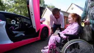 getlinkyoutube.com-Richard Hammond grants Emilia's Rays of Sunshine wish to go in a pink Lamborghini!