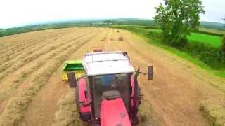 getlinkyoutube.com-Bringing Home The Hay - Square Baling.