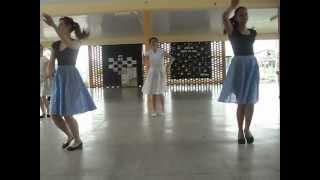 getlinkyoutube.com-Escola Virgínia Soares - 9A - Coreografia Twist and shout
