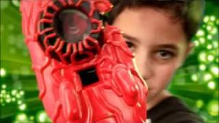 getlinkyoutube.com-Ben10 Набор вооружения инопланетянина на руку silverlit-toys.ru