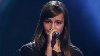 getlinkyoutube.com-14-Year Old Britt SINGS Evanescence's Bring Me To Life - Voice Kids