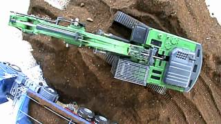 getlinkyoutube.com-Amazing R/C Trucks in Action! Nice detailed RC Siku Trucks in 1:32.