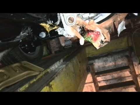 Расположение у Мерседес Бенц W124 крестовины рулевого вала