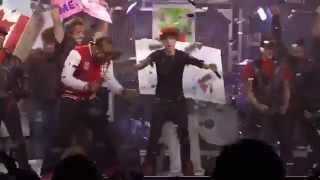 getlinkyoutube.com-Justin Bieber ft. Ludacris Baby 2010 at Madison Square Garden (Never Say Never Movie)