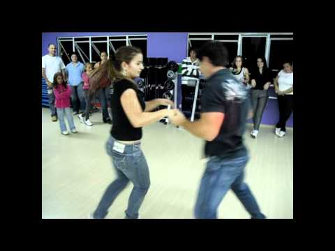 Academia Life   Dançando Sertanejo   Nani e Dani
