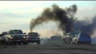 getlinkyoutube.com-Diesel Convoy Burnouts