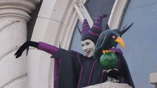 getlinkyoutube.com-Maleficent's Court Halloween 2014 Disneyland Paris