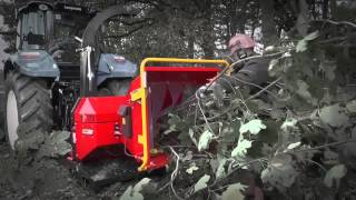 getlinkyoutube.com-TP 175 PTO - Disc Wood Chipper from Linddana