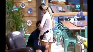 "Thiago e Minerato ""vem cá, popotinha"" |beijinho na sala| 04.10.15"