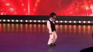 getlinkyoutube.com-ガンナムスタイル かわいい男の子がキレキレのダンスを披露!!!