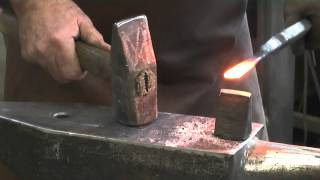 getlinkyoutube.com-Forge welding tutorial swedish craft knife