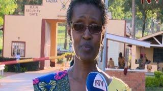 getlinkyoutube.com-Winnie Byanyima visits Besigye in Luzira prison