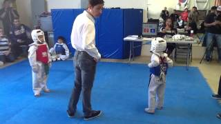 getlinkyoutube.com-6/7 year old sparring match at Knockout Martial Arts in Rancho Cucamonga (JEREMY RIOS)
