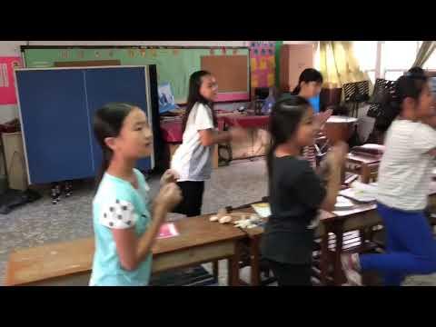 灣潭國小高年級本土語言唱跳--阿伯欲賣餅