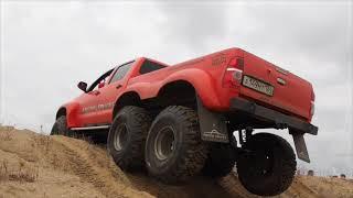 getlinkyoutube.com-Toyota Hilux ArcticTruck 6x6