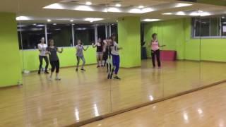 getlinkyoutube.com-Boshra 5er (belly dance)- Zumba® with Irini