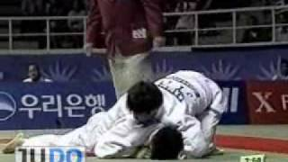 getlinkyoutube.com-JUDO 2002 Asian Games: Masato Uchishiba 内柴 正人 (JPN) - Min-Ho Choi (KOR)