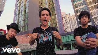 getlinkyoutube.com-Bunkface - Darah Muda (Official Music Video)