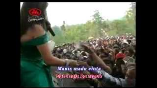 getlinkyoutube.com-Lilin Herlina ~ HARUSKAH BERAKHIR Monata Live in Gunung Wungkal #BOX_IRENK