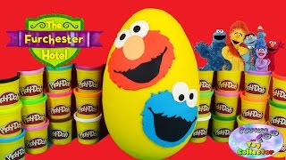 getlinkyoutube.com-ELMO COOKIE MONSTER Giant Play Doh Surprise Egg - Surprise Egg and Toy Collector SETC