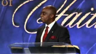 getlinkyoutube.com-Bishop Oyedepo and Bill Winston. day 1 part 1.