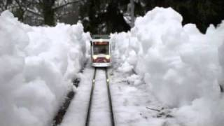 getlinkyoutube.com-Gartenbahn im Winter