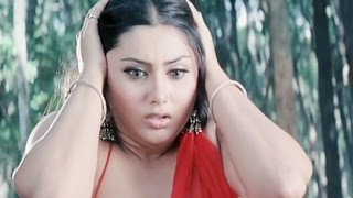 Hot Namitha gets irritated, Jagan Mohini - Scene 14/18