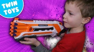 getlinkyoutube.com-Nerf War:  Protect the Fort Kids Eating Crickets Kids React