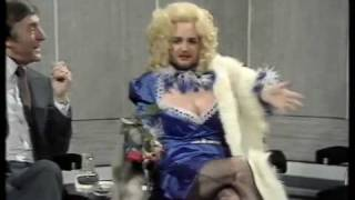 "getlinkyoutube.com-Kenny Everett as ""Cupid Stunt"" on ""Parkinson"" '82 (pt.1/7) HQ"