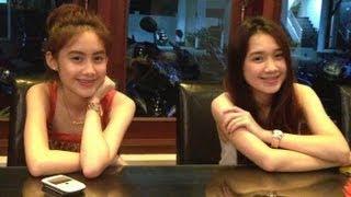getlinkyoutube.com-Chichi [HD] จีจี้ สาวลาว เขินมากๆโดนสัมภาษณ์ ที่ Singapore