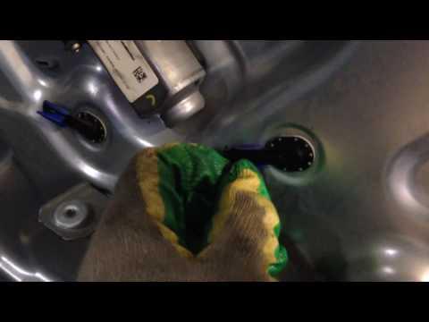 Как разобрать дверь Hyundai Genesis Coupe