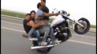 getlinkyoutube.com-Suzuki 1400 - Morteza tarashkar (Autobahn Qom Kashan - Qom - Iran)