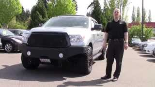 getlinkyoutube.com-Custom 2010 Toyota Tundra CrewMax review, start up - In 3 minutes you'll be a CrewMax expert