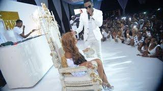 Diamond Platnumz alivyomuita Zari kwenye stage ya White Party, kilichotokea kikamtoa machozi.