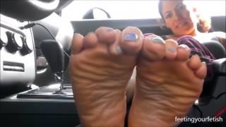 getlinkyoutube.com-Latina Maid Soles