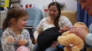 getlinkyoutube.com-Magic For Kids At Children's Hospital