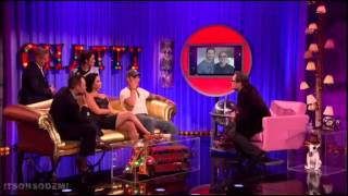 getlinkyoutube.com-Demi Lovato being interviewed and performing Cool For The Summer on Alan Carr: Chatty Man