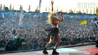 getlinkyoutube.com-Ellie Goulding  - Burn at Glastonbury 2014
