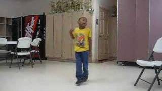 getlinkyoutube.com-Little boy dancing Beyoncé