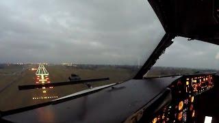 getlinkyoutube.com-Heavy Crosswind Landing in Copenhagen - Cockpit 737