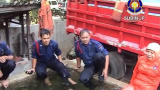getlinkyoutube.com-ULANG TAHUN ALA PEMADAM KEBAKARAN  (4).mp4