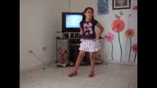 getlinkyoutube.com-gatinha dublando e dançando meiga e abusada de mc anita ela é show