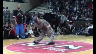 getlinkyoutube.com-機械舞男v.s女街舞大賽--超厲害第一名喔!.wmv