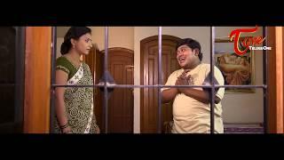 getlinkyoutube.com-Suman Setty Enjoying Hot Beauty's Show | Brindavanam lo Gopika Comedy Scene