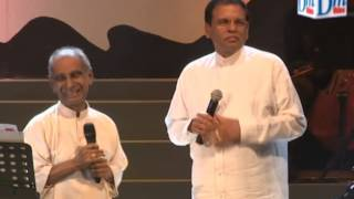President sings with Amaradewa