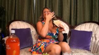 getlinkyoutube.com-Big Belly blonde eats Mexican food
