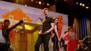 "getlinkyoutube.com-""You're The One That I Want"" - Glee [Full Performance]"