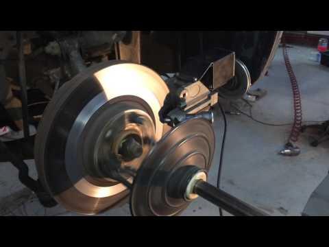 Проточка тормозных дисков Infiniti FX без снятия.