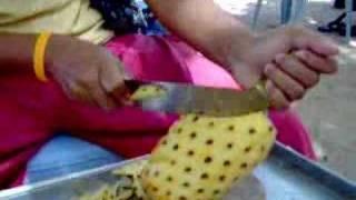 getlinkyoutube.com-How to peel a pineapple