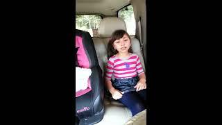 getlinkyoutube.com-Niña hace llorar con su canto (la hija de nadie)